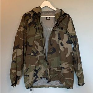 THE NORTH FACE Camouflage Wind Breaker - Large